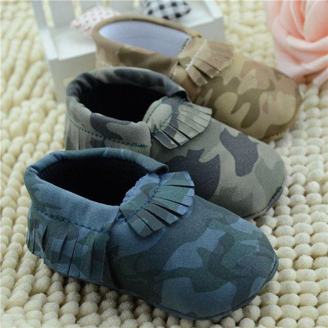 Tres Colores de La Borla de Camuflaje Suave Zapatos Niño Bebé Infantil Primer Caminante Del Bebé Zapatos
