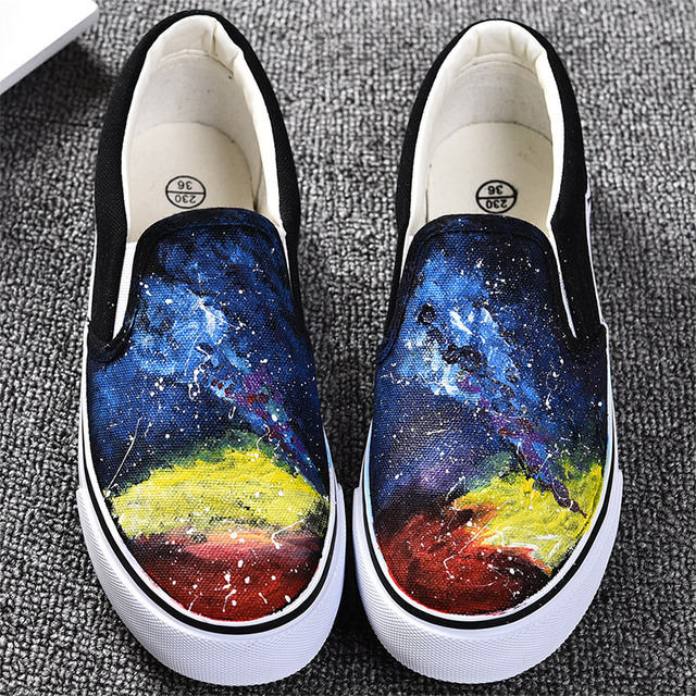 2015 Fashion Small Yellow Man Luminous Hand-Painted Canvas Shoes For Woman