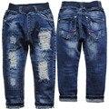 3971 NIÑOS PANTALONES VAQUEROS de los MUCHACHOS de los niños ropa casual de mezclilla agujero pantalones vaqueros chicos de moda navy azul de primavera y otoño agradable nueva