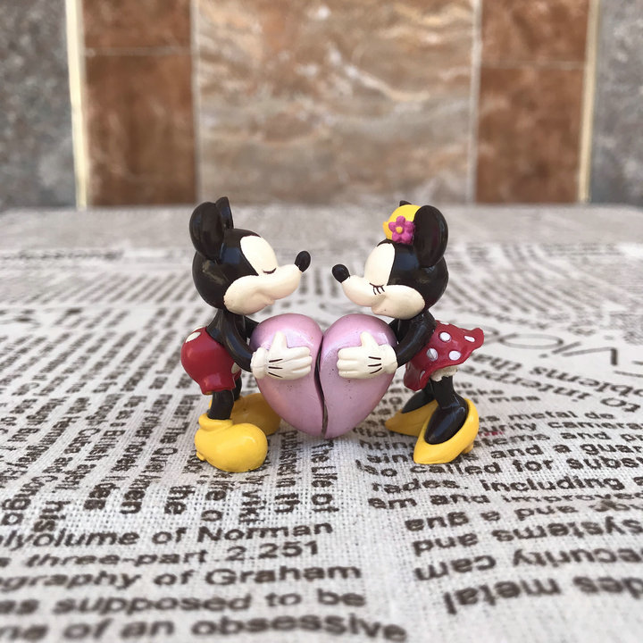 10pairs Couple Mickey Minnie Mouse Lovers Heart Hug Sweet Valentine s Day PVC Action Figures Toy
