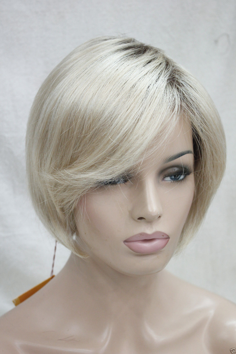 004284 High Quality Synthetic Hair Ombre Blonde With Dark Root Short