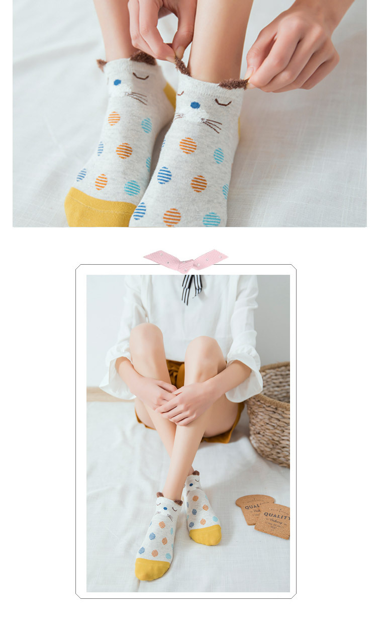 HTB1cJ7jFFOWBuNjy0Fiq6xFxVXaE - 5Pairs New Arrivl Women Cotton Socks Pink Cute Cat Ankle Socks Short Women Socks Casual Animal Ear Red Heart Gril Socks 35-40