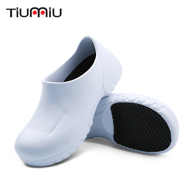 2019 Men's Chef Shoes Breathable Non-Slip Kitchen Working Shoes Summer Hospital Doctor Nurse Shoes Medical Shoes Casual Footwear