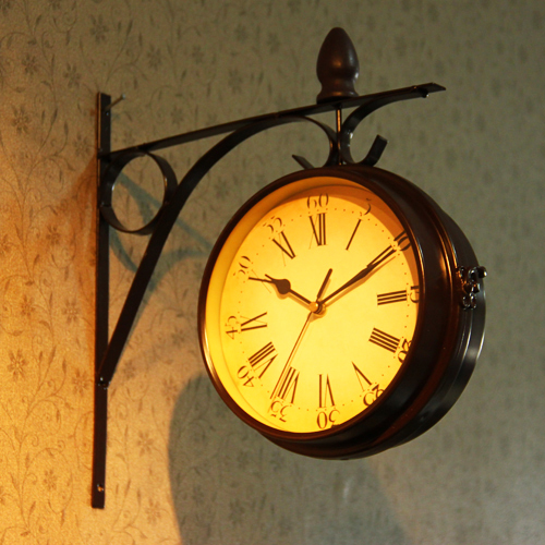 Antique Imitation Iron Double Face Wall Art Clock Decor Metal Hanging Craft Embellishment Accessories for Lobby