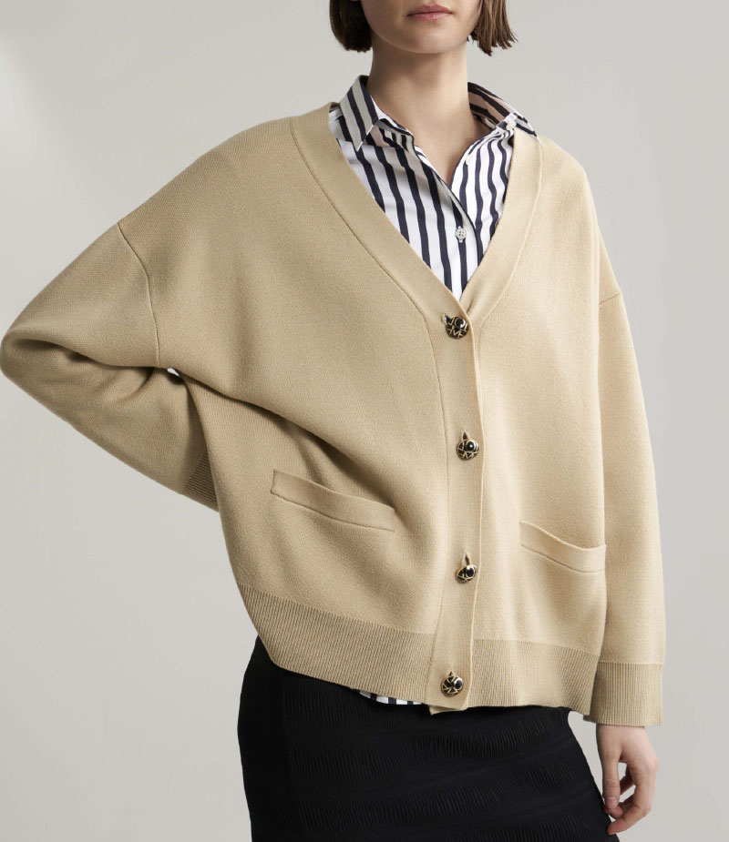 Vinci boxy cardigan sweater merino wool v neck wide cuffs side pockets monogram buttons up Front