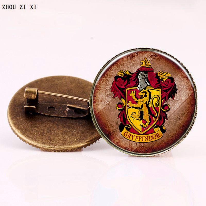 Harry potter cartoon series European and American style Hogwarts insignia glass gem brooch festival gift Toys