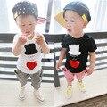 2016 niños del verano arropa el juego del bebé heart cap manga T-shirt y pantalones moda casual siete hijos conjunto