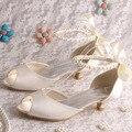 Wedopus Novas Senhoras Da Moda Baixo Sapatos de Baile Calcanhar Sandálias Tamanho Grande 42 Bege de Cetim