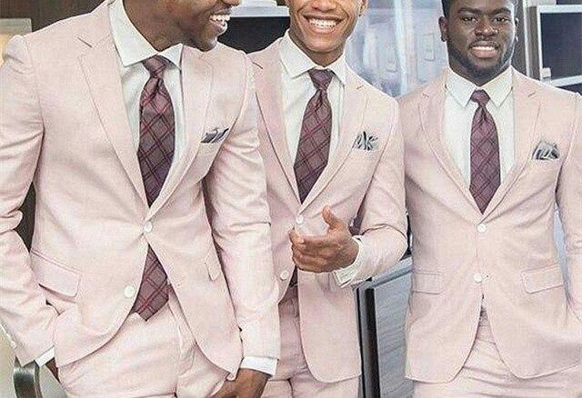 2 Pezzi (cappotto + Pantaloni) Luce Rosa Vestito Degli Uomini Personalizzato Casual Elegante Rivestimento Del Vestito Degli Uomini Di Affari Di Sfera Di Cerimonia Nuziale Classico Smoking Maschile