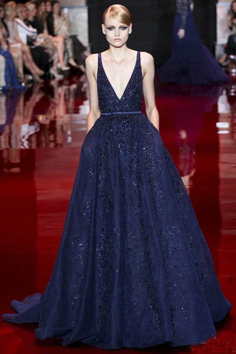 Elie_Saab bleu marine robes de soirée profonde col en V longueur au sol chapelle train robe paillettes dentelle robes de célébrité