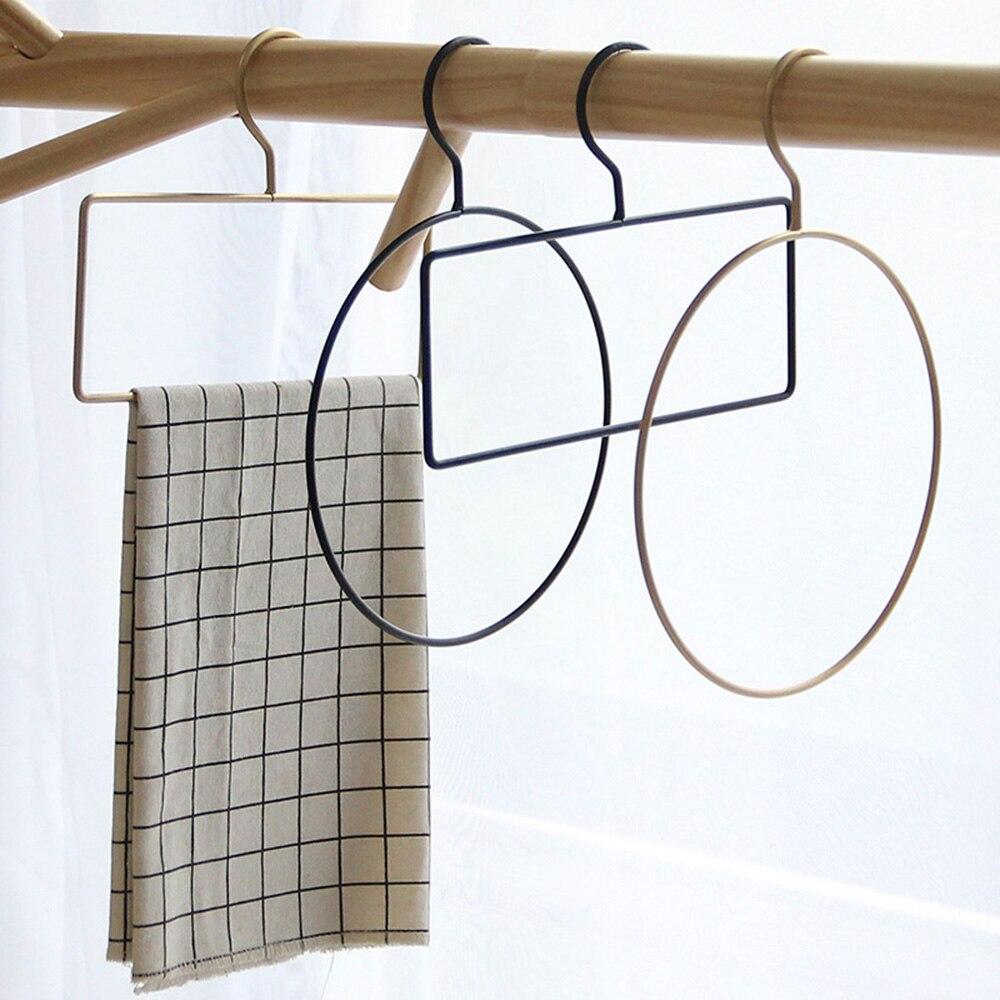 Deftig Creatieve Geometrische Ontwerp Iron Art Muur Handdoek Haken Kleding Stropdas Magazijnstelling Nordic Japan Pastorale Stijl Home Garderobe Hangers Geselecteerd Materiaal