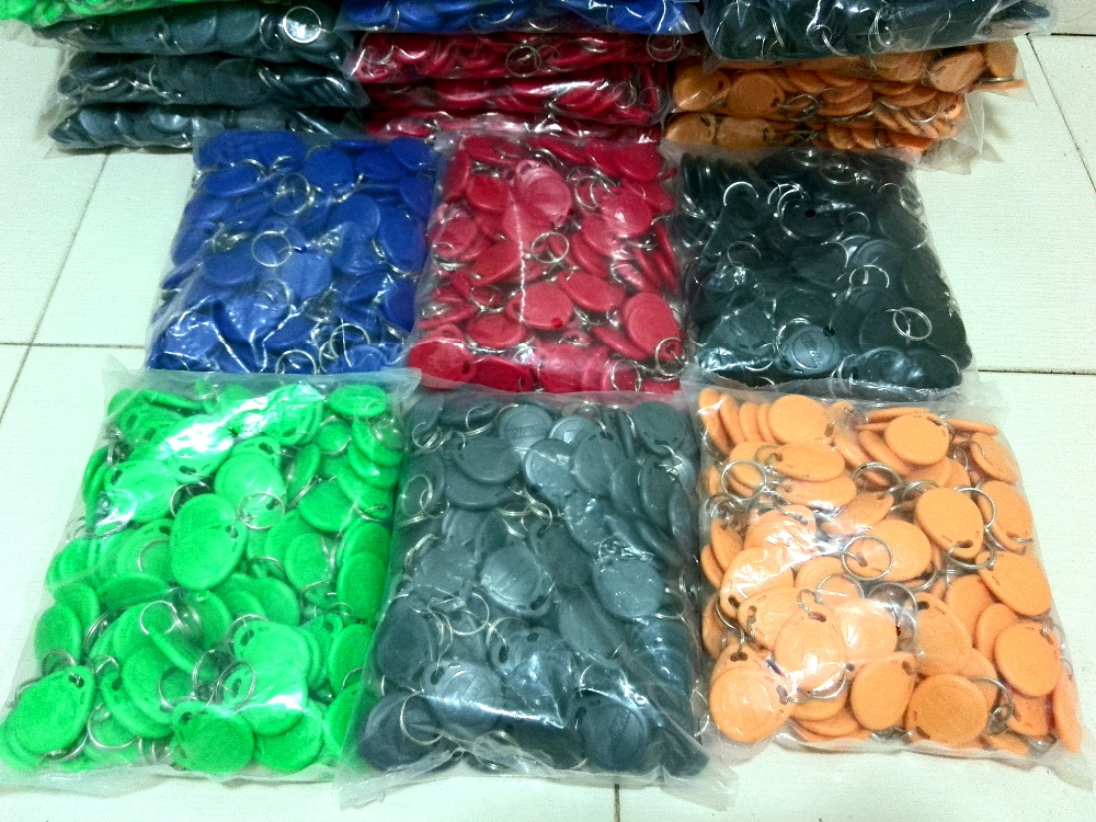 1000pcs Rfid Tag 125Khz keyfobs EM4100 (Red blue yellow green black Grey) 6 Colors Free Shipping free shipping korean version candy colors fairy tail logo printing man woman canvas schoolbag red green black blue backpacks