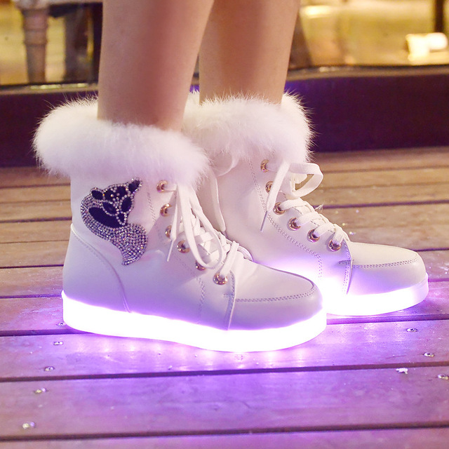 2018 Fleece Snow Boots Women UBS LED Light Shoes Casual Rabbit Hair Ankle Boots Shoes Winter Boots Warm Ladies Flat Shoes Mujer