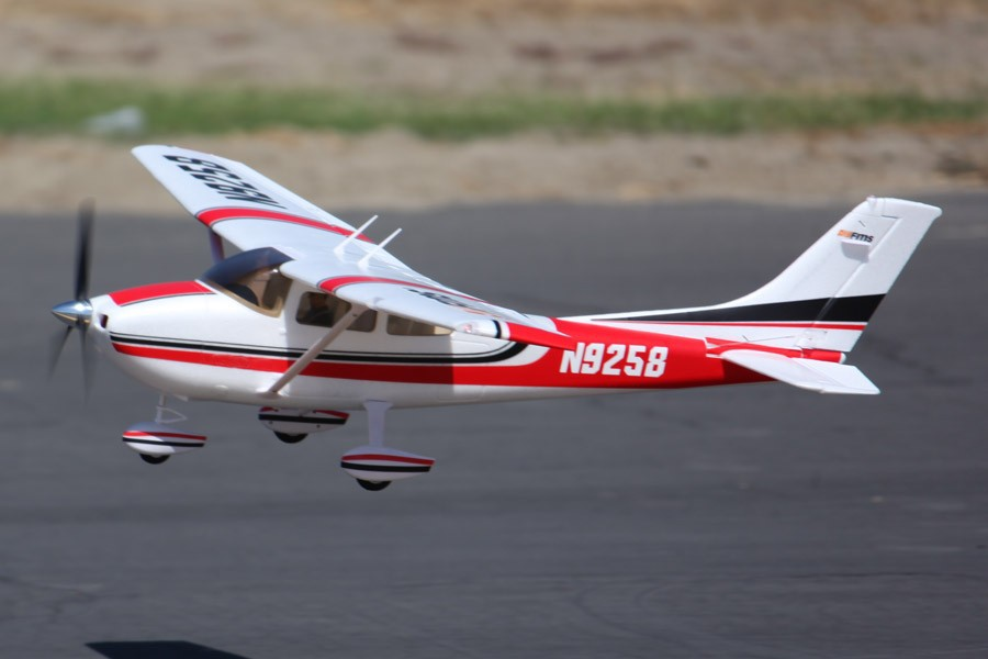 Fms 1 4m 1400mm Fms Sky Trainer Cessna 182 Rc Airplane