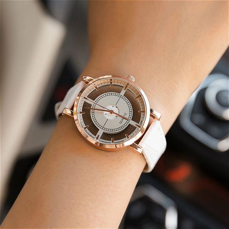 2017 high quality Golden Hollow Carve Dial Luxury Women Watch Leather Strap Ultra-thin Quartz watches Fashion Ladies Gift Clock heart shaped hollow alice in wonderland drink men tag pocket watch women ladies luxury pendant gift bronze fob watches