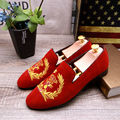 Новое поступление мужчины квартиры бархат закругленным носком вышивка мокасины повседневная обувь дышащая и удобная обувь для вождения размер: 38-43