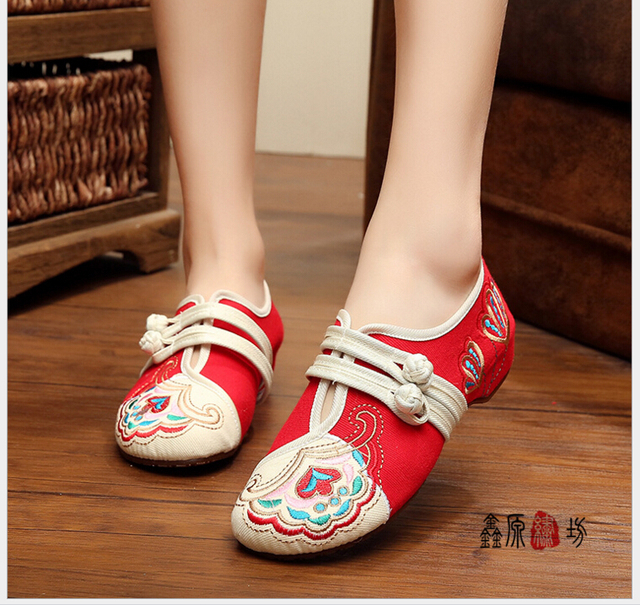 national wind old Beijing Cloth Shoes Chinese Style Totem Flats Mary Janes Embroidery Casual Women Shoes square dancing shoes