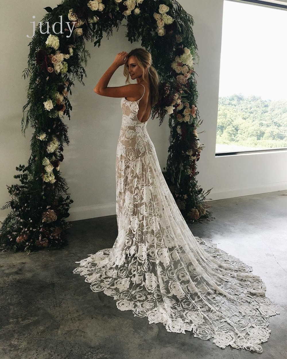 Used Wedding Gowns: MX227# New Product Of White Rose Wedding Gauze Used In