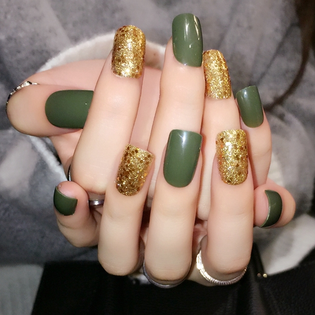 24pcs Dark Green Golden Glitter Sheet False Nail Artificial Acrylic Square Full Fake Nails Free Sticker