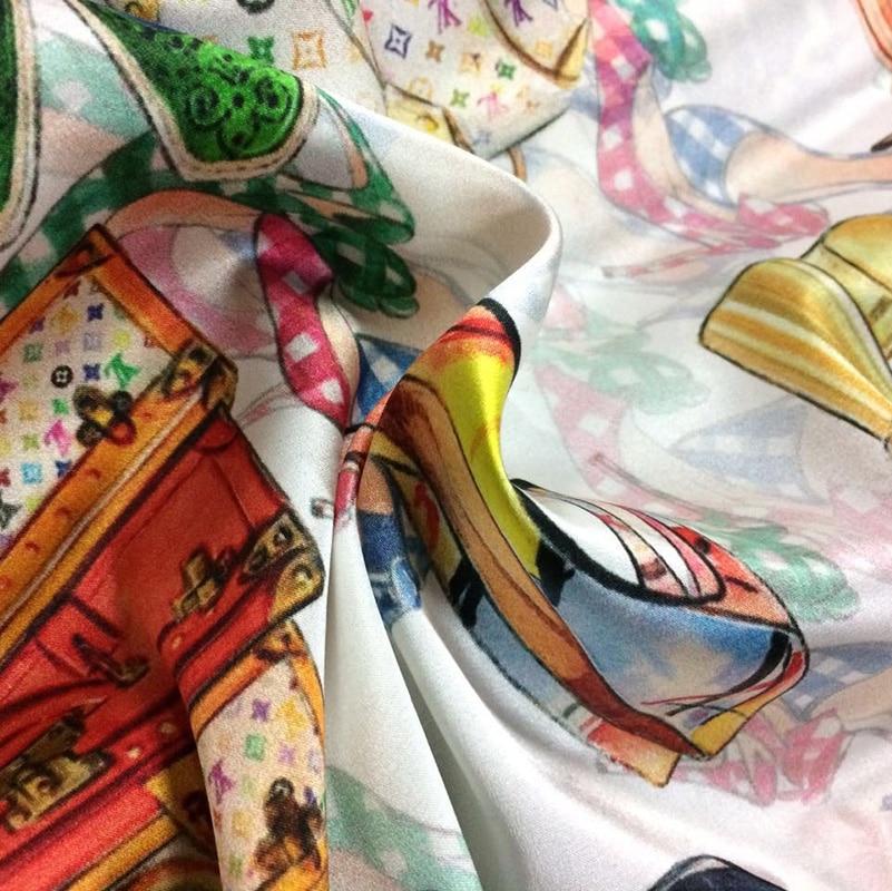 Nuovo 22 millimetri 110 centimetri di larghezza 95% seta di gelso di seta e il 5% spandex scarpe pacchetto di stampa stretch bianco raso di seta tessuto per il vestito camicia vestiti-in Tessuto da Casa e giardino su  Gruppo 3