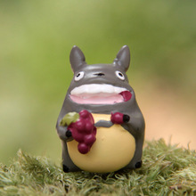 Mini Cute Totoro Figurines for kids Hayao Miyazaki Toy Resin Crafts Garden Accessories Action Figures Toys Excellent Gift 17w