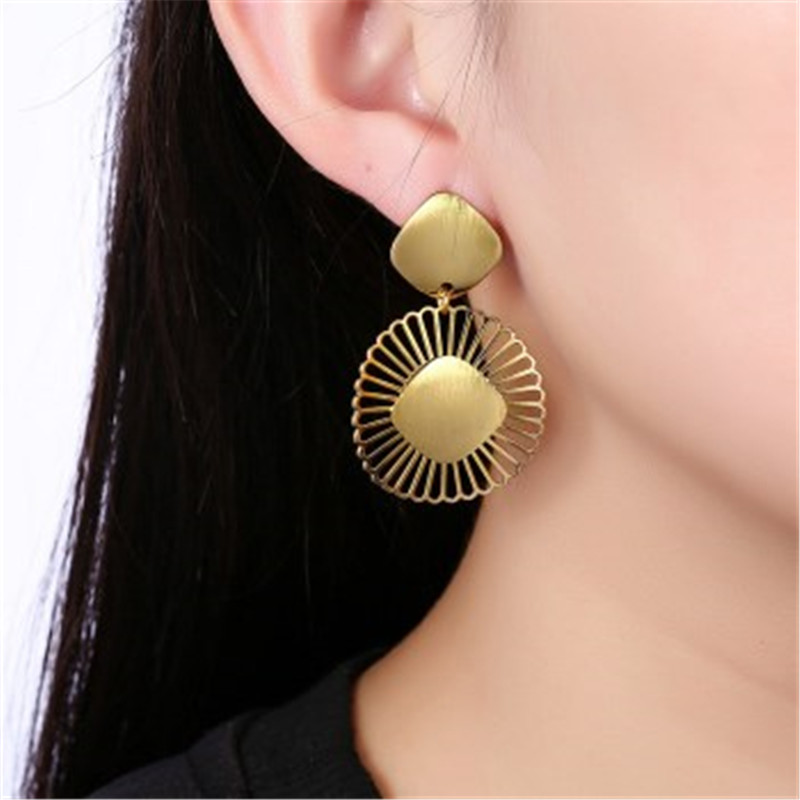 New Jewelry Yellow Gold Color Womens Drop Earrings Hollow Drop Round Earrings Fashion Party Weeding Gift