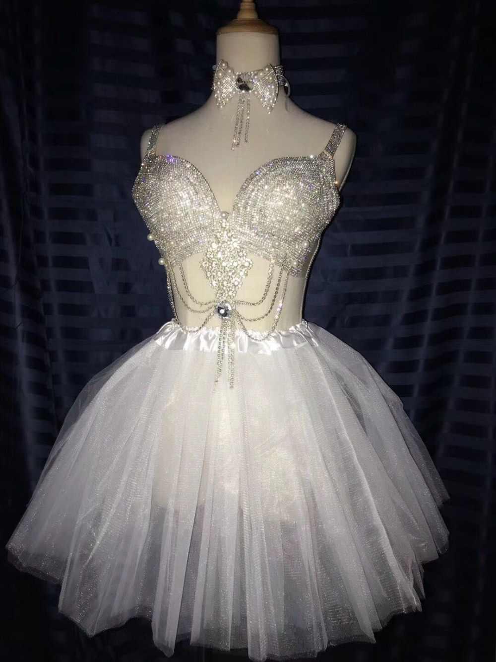 2018 白スカートキラキラガラスダイヤモンドビキニセットバー女性衣装ナイトクラブ DJ 歌手ダンサー現代ステージ衣装