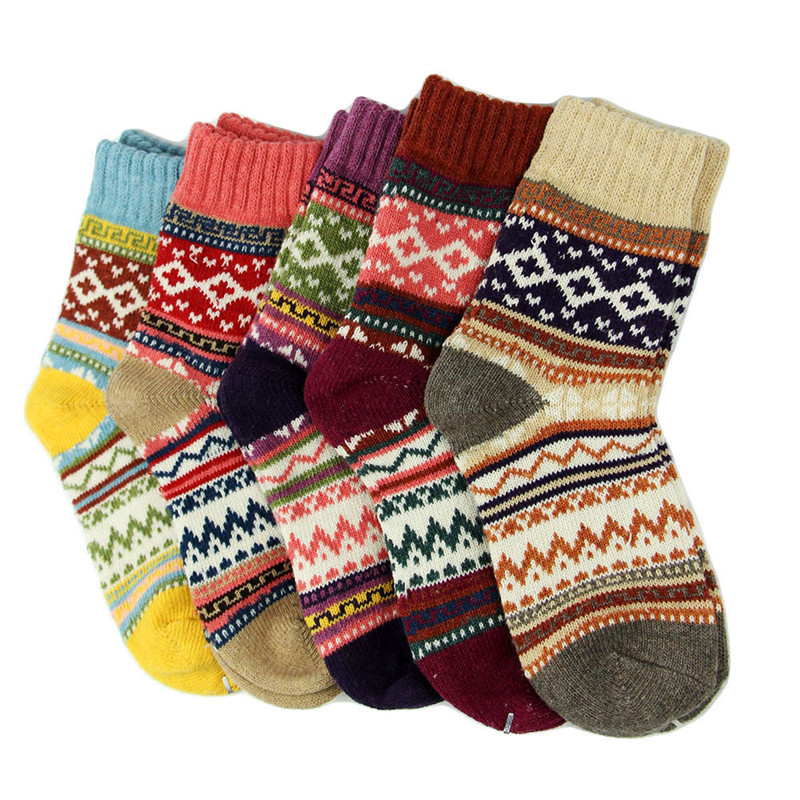 2017 New Stylish Autumn Style Women Wool Cashmere Warm Printing Soft Thick Casual Multicolor Winter Socks Lot Costume