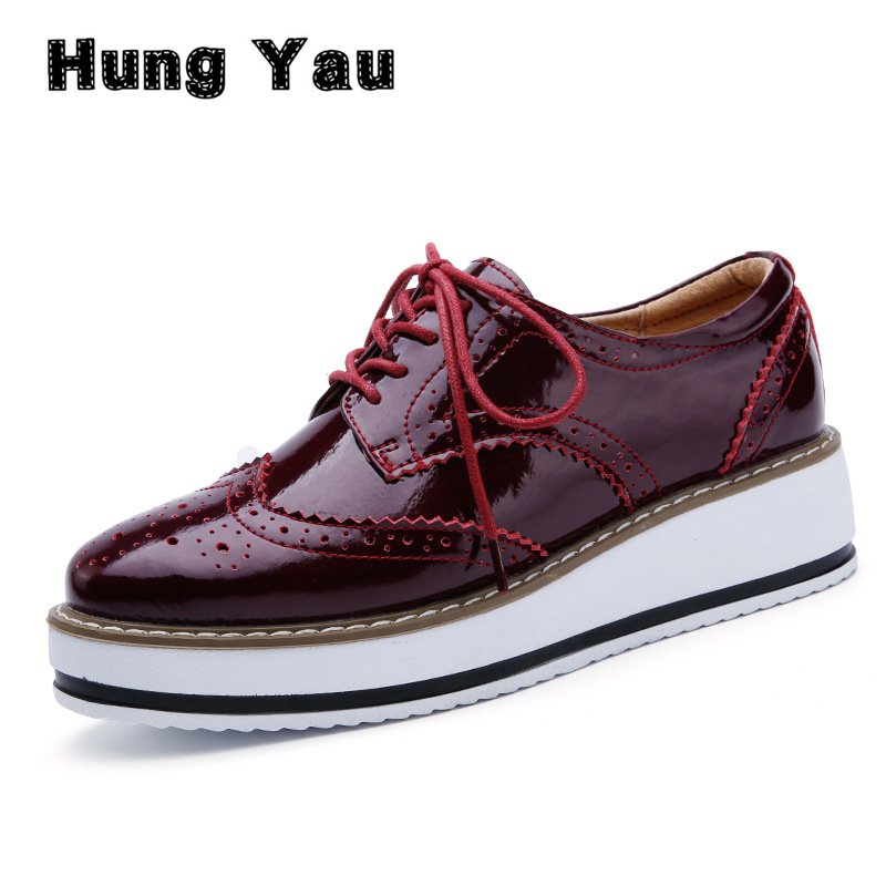 Hung Yau Women Platform Oxfords Brogue Patent Leather Flats Casual Lace Up Shoes sapatos Pointed Toe Creepers Vintage Size 41 qmn women brushed leather platform brogue shoes women round toe lace up oxfords flat casual shoes woman genuine leather flats
