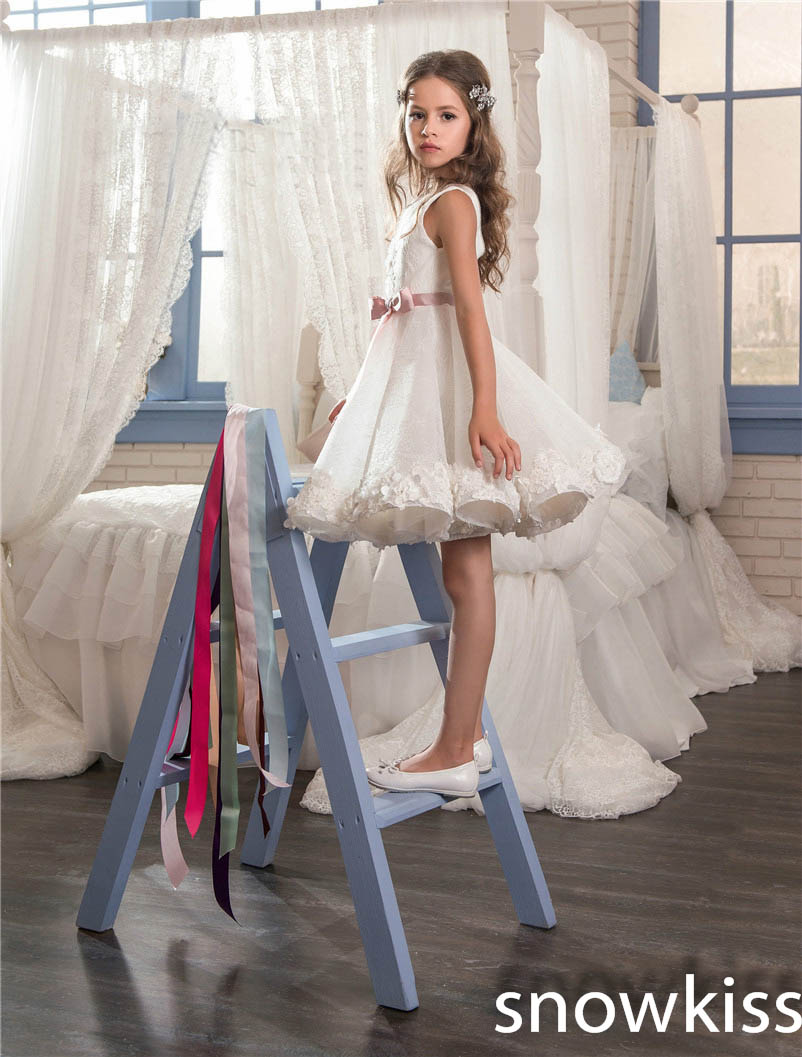 2019 white vintage communion dress draped with flower bow knee-length cute prom dress for kids glitz flower girl dresses2019 white vintage communion dress draped with flower bow knee-length cute prom dress for kids glitz flower girl dresses