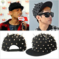 2016 Fashion ShowBlack Rivets Horn Casquette Hip Hop 6 Panel Gorras Snapback Caps Men Adjustable Unisex Adult Punk Baseball Hat