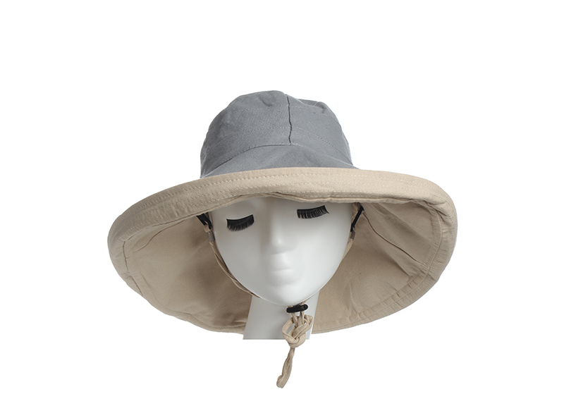 045f3a9dab6 Classical fedora hat are an effective accessory to make you look great on  summer beach
