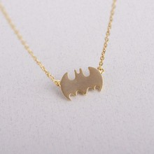 1PCS- N039 Fashion Superman Batman Necklaces Outline Vampire Bat Necklace Simple Superhero Halloween Necklaces for Gifts wholesale superman halloween cosplay clothing spider chivalrous tights superman clothes bat halloween children performance
