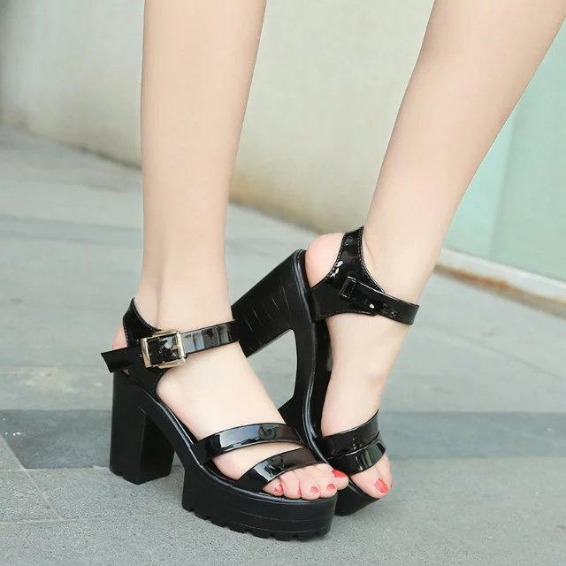 d296358b62f 2018 Hot Top quality women s summer high-heeled shoes thick heel open toe  platform sandals platform sandals white black 35-40