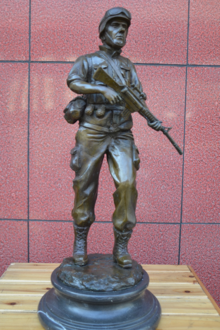 American soldier bronze statue figure ornaments jewelry European soldiers World War II servicemen Club decorationAmerican soldier bronze statue figure ornaments jewelry European soldiers World War II servicemen Club decoration