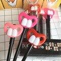 3.5mm humor divertido diente de conejo boca Grande labios rojos pluma modelo figura de acción de juguete creativo partido prop 3 unids/set