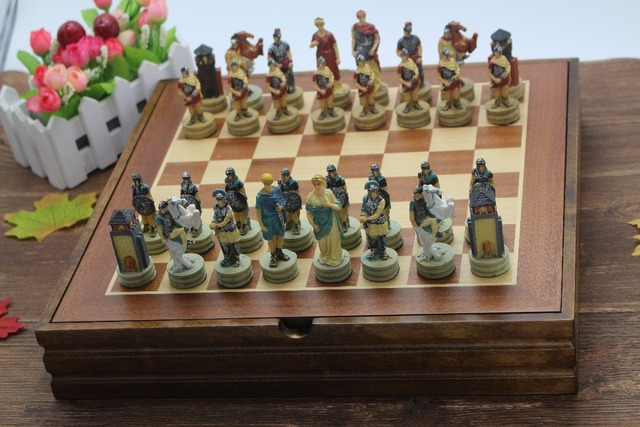 Charmant The Ancient Greece And Rome Resin Characters Chess Set Resin Mold Classic  International Cartoon Chess Ancient