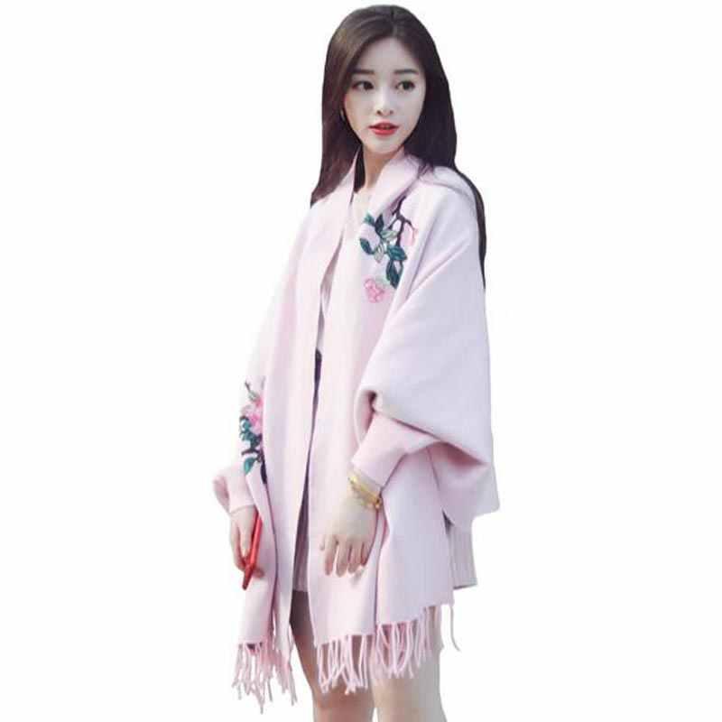 Sciarpe, scialli, stole modo delle 2017 donne di inverno pipistrelli loose cardigan mantello femminile maglione scialli nappa maglia poncho cappotto