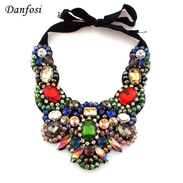 fb7061ea5048d Women Luxury Big Necklace Beautiful Ornament Colorful Crystal Chokers  Collar Necklace Fashion Statement Jewelry mujer N2513-in Choker Necklaces  from ...