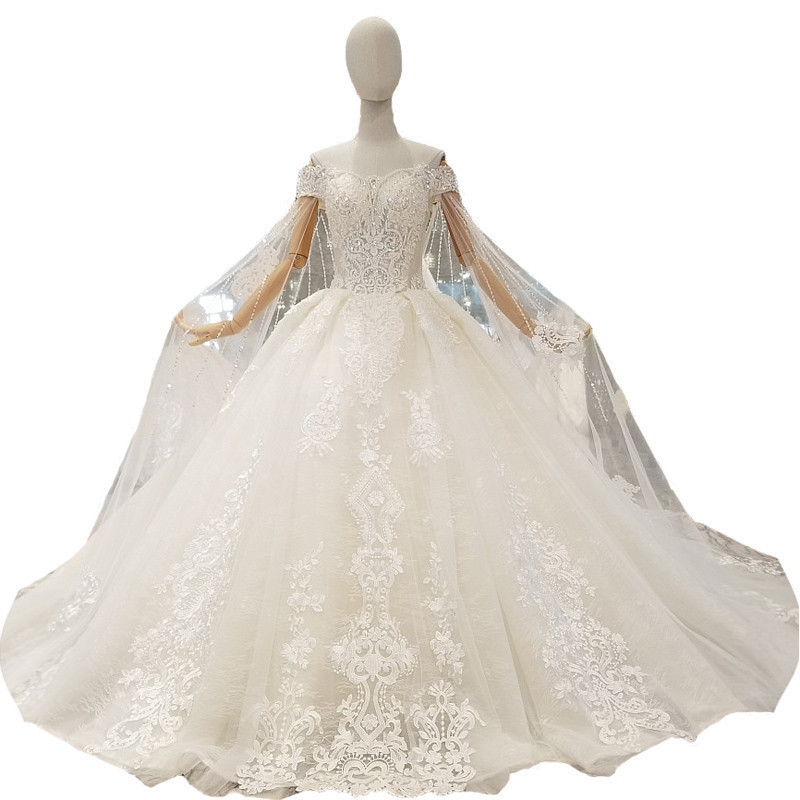 Cathedral Length Train Wedding Gowns: 2018 New Champagne Lace Sleeveless Sweetheart Chapel Train