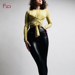 Image 4 - 2019 נשים סקסי עור מפוצל חותלות עם קדמי רוכסן גבוה מותניים לדחוף את פו עור מכנסיים לטקס גומי מכנסיים חותלות