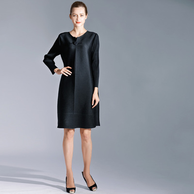 FREE SHIPPING Fashion Miyake fold dress pure color long sleeve style clasp dress IN STOCK - 3