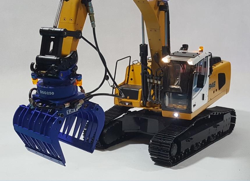 1/14 RC Metal Hydraulic Excavator 946 - 11