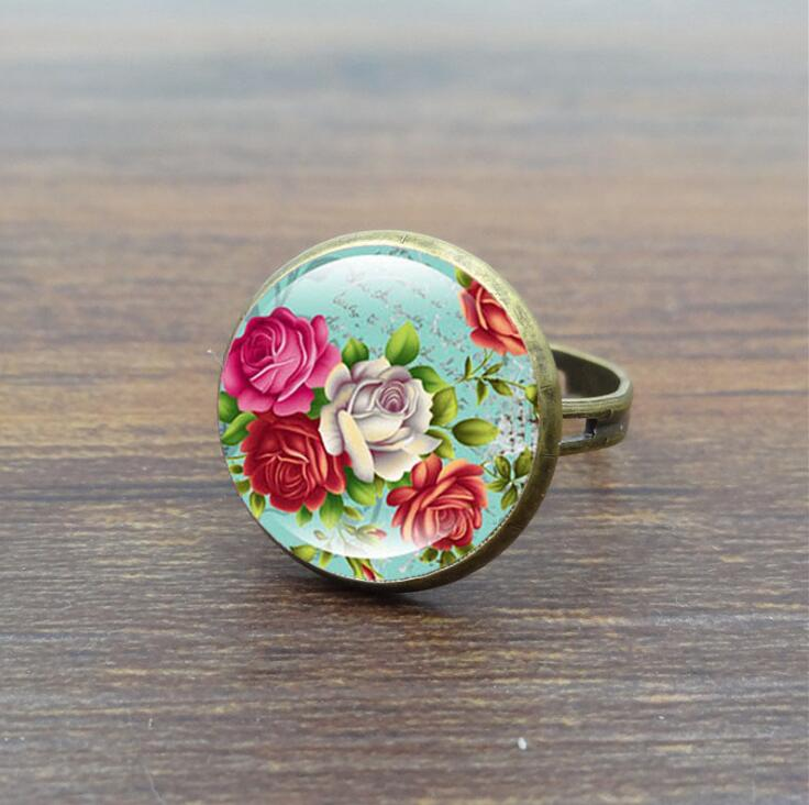 2017 Fashion Rings for Women Beauty Roses Flower Glass Cabochon Vintage Jewelry Bronze Copper Ring Adjustable anillos best gift