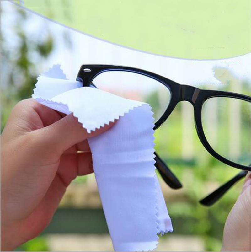 Sunglasses Eyeglass Cleaning Cloth Microfiber Clean Lenses Cloth Wipes 1Pcs in Screen Protectors from Consumer Electronics