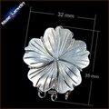 1 UNIDS Chapado Joyas de Plata Collar de Perlas de Hallazgos Cierres Gancho Flor Tallada Madreperla Shell Corchete de la Palanca Con Salto anillos