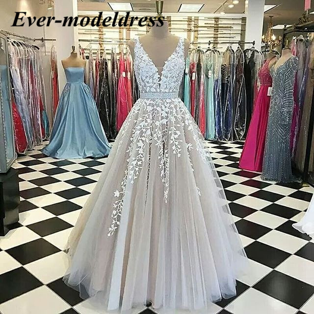 Champagne Lace Wedding Dresses 2019 V-Neck Backless A-Line Floor Length Appliques Beaded Spaghetti Straps Robe De Mariage Cheap