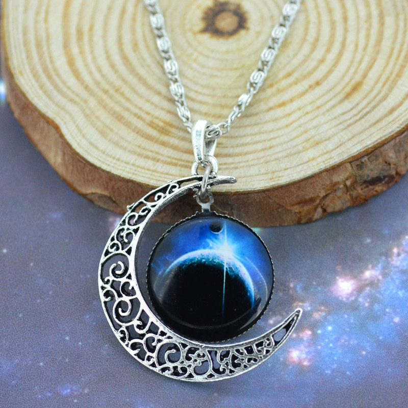 Bling World Fashion Vintage Moon Pendant Necklace Sweater Chain Jewelry Delicate New