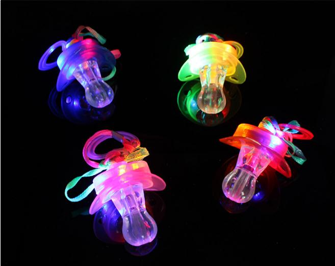 200 teile/los Led Schnuller Pfeife Licht Halsketten Nippel Blinkende Kinder Spielzeug Für Weihnachten Bar Partei Liefert