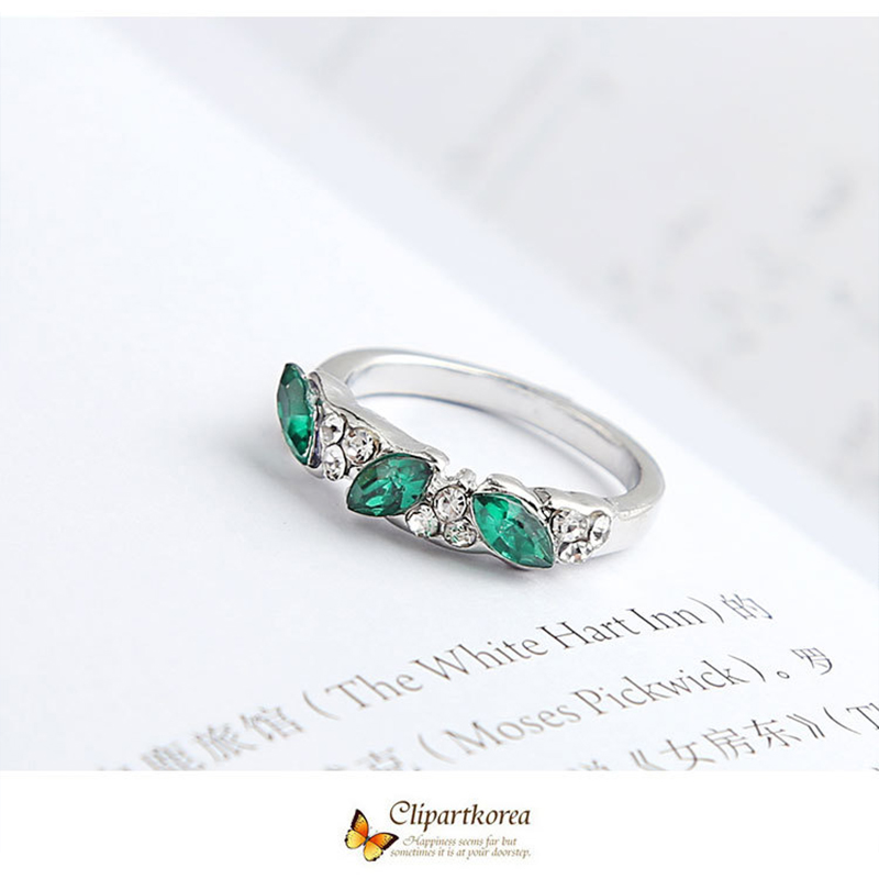 2019 fashion retro ring sweet fashion female ring index finger decorative ring wedding fashion party beautiful moment in Rings from Jewelry Accessories
